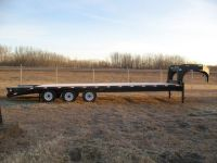 Trailers USED 2010 30 foot gooseneck trailer