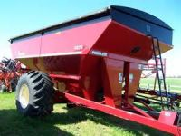 Grain Handling 2014 1039 Parker Grain Cart with scale