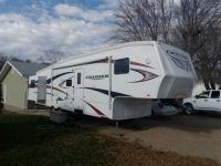 5th Wheel 2010  Crossroads Cruiser 31 QB 5th Wheel