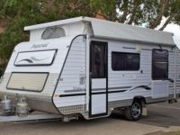 Travel Trailers 2010 Imperial Palace w/ Island Bed Caravan