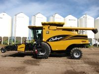 Combines 2004 Cat Challenger 660 Combine For Sale