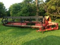 Swathers 1984 20ft Pull Type Versatile Swather