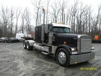 Grain / Flat Deck Truck 2001 Freightliner Classic Sleeper Cat 435HP