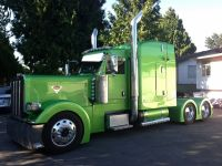 Grain / Flat Deck Truck 2009 Peterbilt 389 Highway Tractor