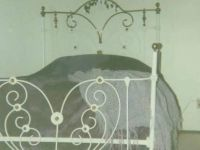 Antiques MID 1800's ANTIQUE BRASS & IRON 4 POSTER BED