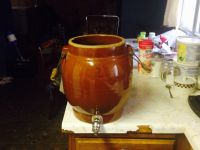 Antiques 3 gal ice water matallta crock