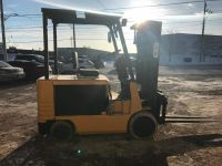 General Equipment CAT 6000lb ELECTRIC with 189 LIFT MAST AND 4 WAY VALVE.