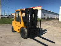General Equipment Caterpillar 8000 lb heavy duty forklift W/Cab- A great unit!