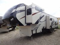 5th Wheel 2015 Momentum 385TH - Kehoe RV - Saskatoon, SK