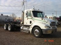 Tractor Units 2005 Freightliner CL-120 Columbia Day Cab