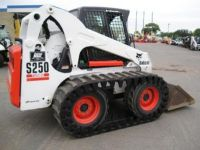 Skid Steers SOLIDEAL SKIDSTEER TRACKS AND MINI EXCAVATOR