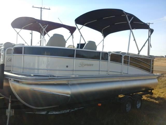 2014 Berkshire 234 Pt In Saskatoon Sk Boat Cansellall